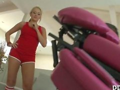 Blonde gym bunny boned after a workout
