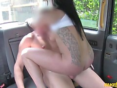Scouse Girl Wants To Fuck In His Taxi (HUUU)