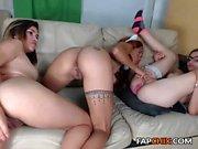 amateur annablossoms fingering herself on live webcam