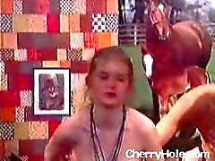 Erotic Teen 3some - Cherryhole.com
