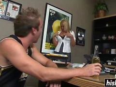 Blonde hottie makes a guy cum