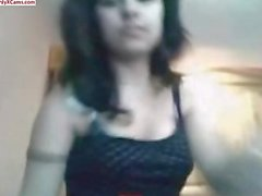 Hot Arabian Girl Show Her Amazing Body and Play on Cam