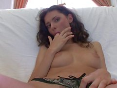 Cutie arouses needs in stud with wet oralservice