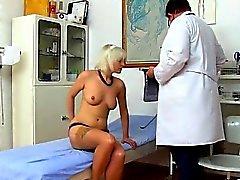 Hot girlfriend sucking big cock