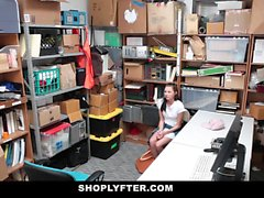 Shoplyfter Teen Fucks Cop To Get Out Of Trouble