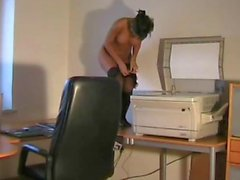 Sexy Amateur German fucked in office with cumshot