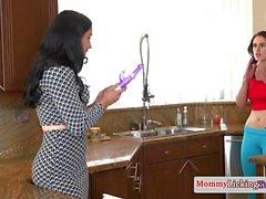 Stepmom pussylicking teen babe in kitchen