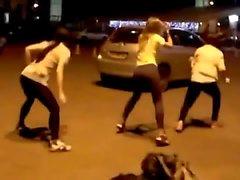 3 Teens twerking bad quality