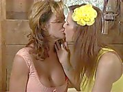 Syren Demer and Deauxma minge loving MILFS