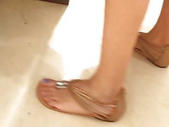 candid teen sexy feets blue toes in line