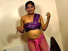 Cute rupali alone in the room and masturbating