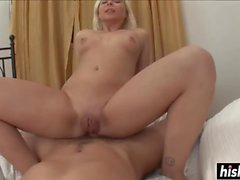Kinky girl gets her cunt pounded