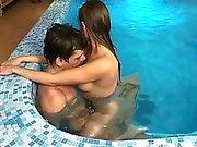Fucking in swimming pool