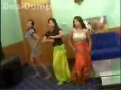 pakistani teens dancing