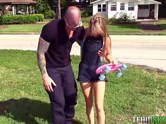 Kaylee Jewel fucks with a tattooed guy