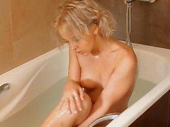 Smooth Pussy - Monroe