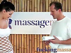 Massage Rooms 18 year old beauty gets a squelching pussy