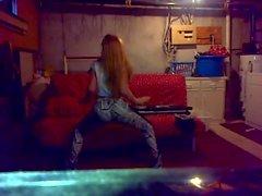 twerking in Her pad