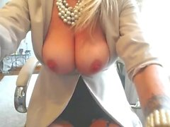 hot blonde milf playing till orgasm p1