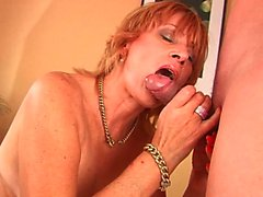 Plumpy granny susan fucks young cock