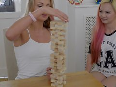 Jenga with Ivana Sugar