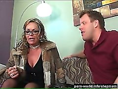 Kelly Leigh About To Fuck Up 3rd Marriage Again