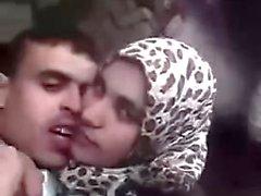 9ahba arab hijab : son amant la film et scandalise