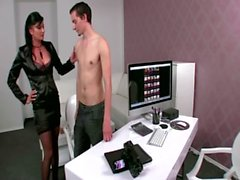 Sexy porn agent sucks young clients cock