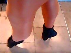Street sexy teen in perfect heels !