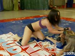 NudeFightClub presents Doris Ivy vs Sandra Rodriguez