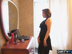 Dirty Flix - Teen courtesan knows her job