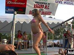 Sexy girls like to dance outdoors
