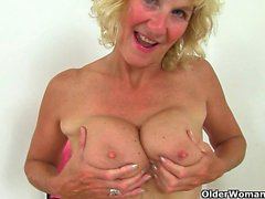 British milfs Molly and Silky need to rub one out