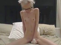skinny webcam girl