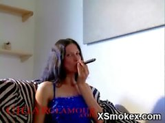 Tempting Smoking Teen Hungry Makeout