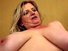 Plump big Tit Grandma