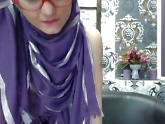 Super Skinny Teen in Hijab 888camgirls,com