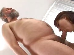 Old guy fucks a chubby girl with shaved pussy