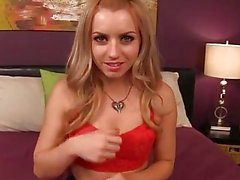 Lexi Belle wants to make me cum.