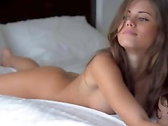 Incredible babe rubbing shaved cunt