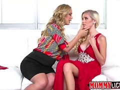 Naomi and Cherie loves scissor sex