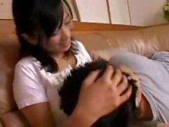 Natsumis Pillow Lap