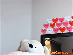 Young latina girl masturbate with sextoys in camchat