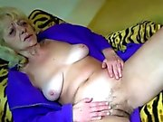 75 hairypussy solo scene