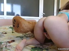 Amateur Action Of A Pretty Teen Tramp
