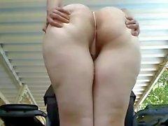 GF show of her Butt