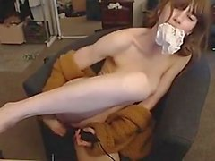 Teen Plays on Cam 001