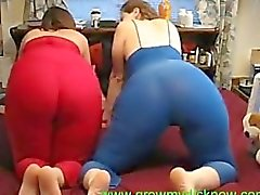 2 Chubby Teens shake their asses on cam