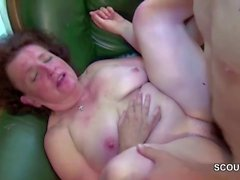 Step-Mom Help Young Boy With His First Fuck to Lost Virgin