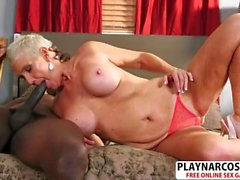 Perfect Mom Lexy Cougar Gives Titjob Well Young Dad's Friend